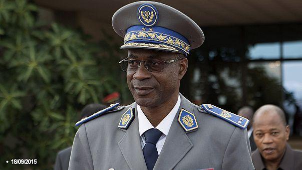 """Буркина-Фасо: глава путчистов готов """"передать власть"""""""