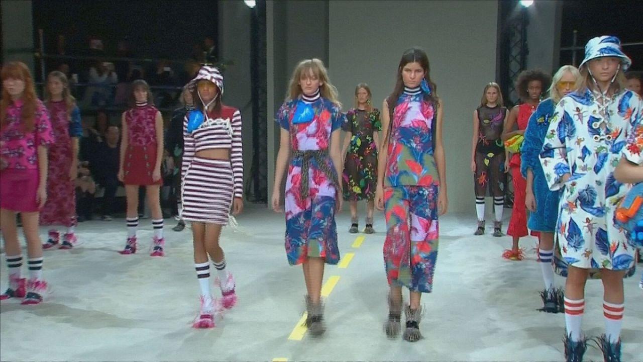 Londra Moda Haftası bir sezonu daha kapattı