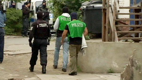 Berlin'de radikallere yönelik baskın