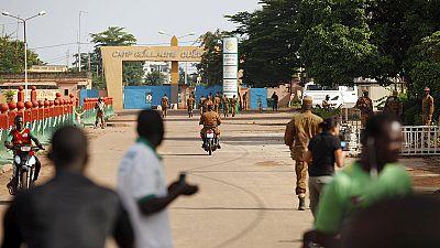 Continúan las negociaciones en Burkina Faso para la salida de los golpistas
