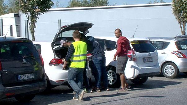 Voluntarios austriacos trasladan gratis a los refugiados