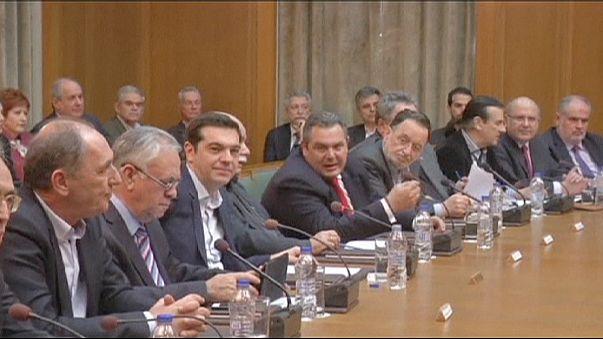 """Греция: Ципрас представил свой """"новый старый"""" кабинет"""