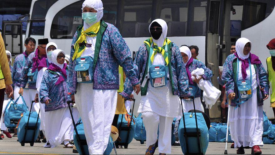 Fiéis muçulmanos iniciam peregrinação anual a Meca