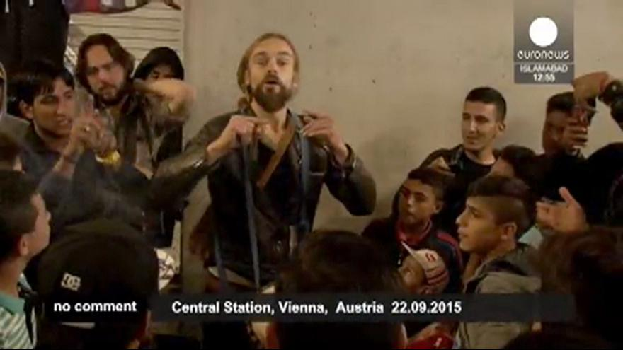 Musical relief for refugees in Vienna train station