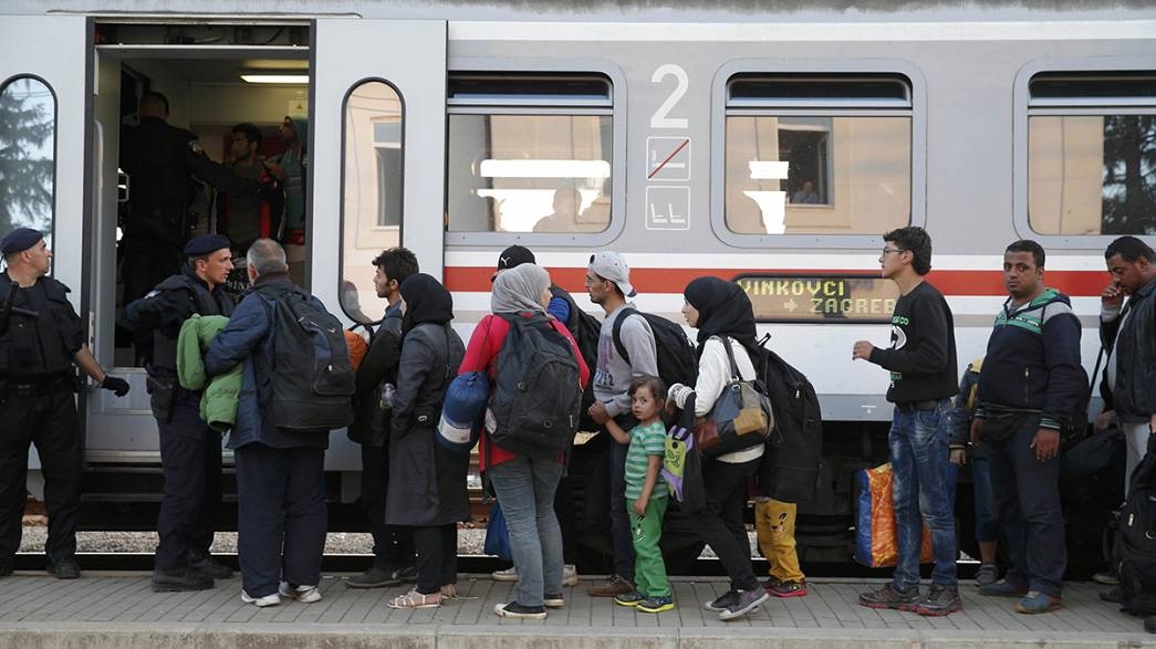 Record refugee numbers enter Croatia as row with Serbia deepens