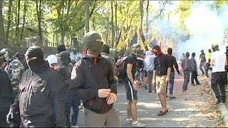 Ukrayna'nın doğusunda Rus karşıtları sokağa indi