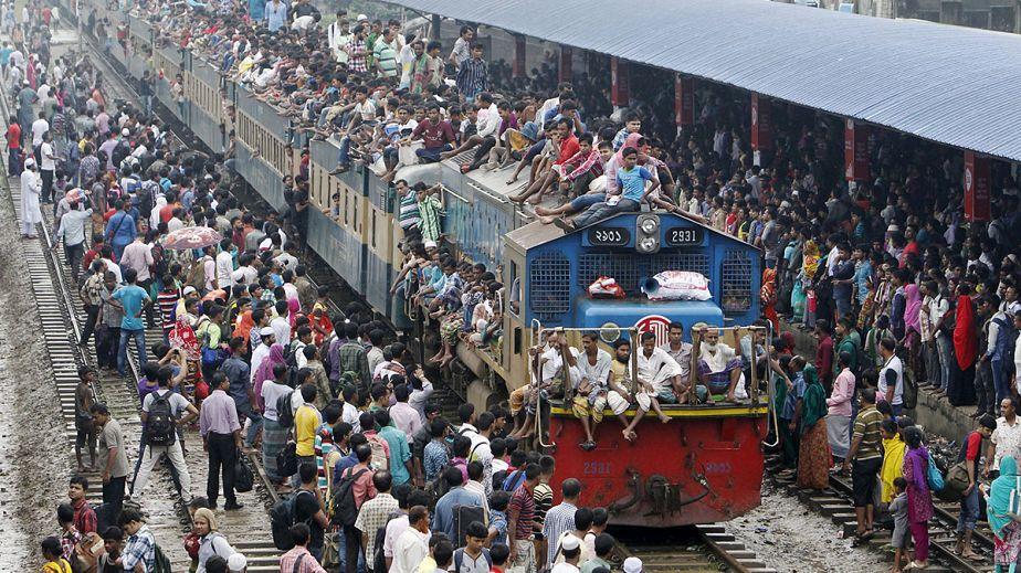Les musulmans du Bangladesh célèbrent l'Aïd