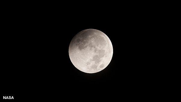 انتظار برای مشاهده همزمان «ماه افروختگی» و «ماه گرفتگی» پس ازسی و سه سال