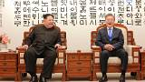 Image: Kim Jong Un and Moon Jae-in on April 27, 2018