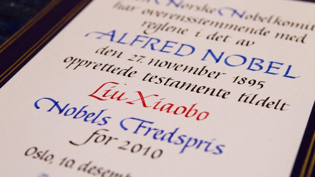 """12 Nobel scrivono a Obama: """"Si batta per il rilascio del dissidente Liu Xiaobo"""""""