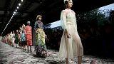 Milano'da moda rüzgarları esti