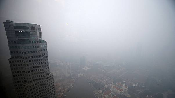 Singapur: Smog durch Waldbrände in Indonesien