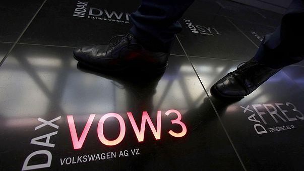 Volkswagen vuelve a subir en Fráncfort; BMW se desploma