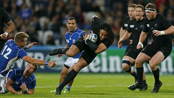 Rugby, CdM: valanga All Blacks, Namibia battuta 58-14