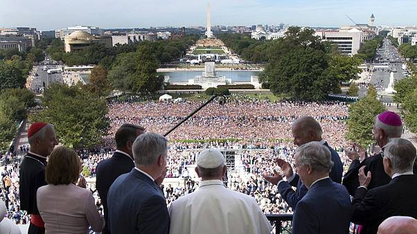 Pope Francis salutes crowds outside US Congress