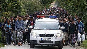 Cruz Vermelha ajuda migrantes esfomeados