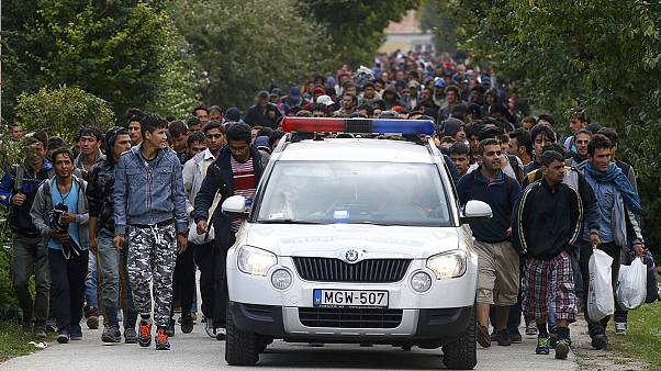 Red Cross on hand to help 'hungry' migrants