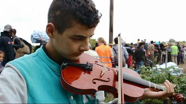 Flüchtlingsjunge träumt von Musikerkarriere und Frieden
