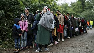 Migrants: Croatia says no need to close border