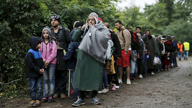 Weitere Flüchtlinge kommen bei Regen und Kälte nach Kroatien