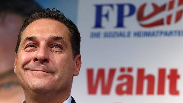 Migrants a 'key factor' as far-right makes gains in Austria election