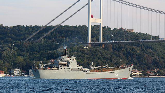 İstanbul Boğazı'ndan geçen Rus gemileri nereye gidiyor?