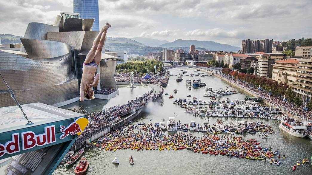 Gary Hunt wins Cliff Diving Championship in Bilbao