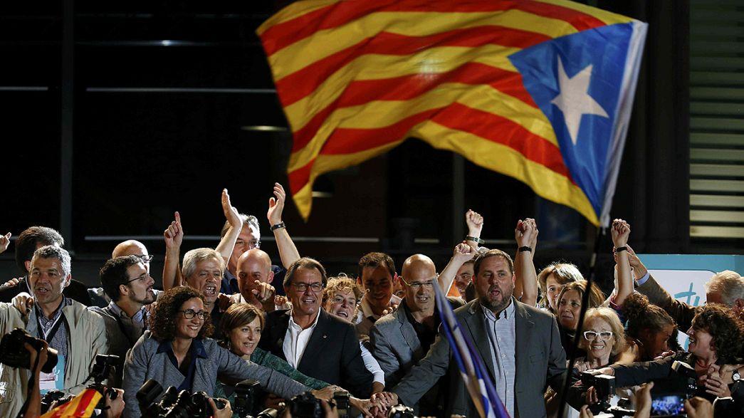 Independentistas ganham maioria no parlamento da Catalunha
