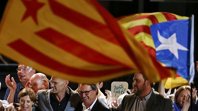Abszolút többségben a függetlenségpártiak Katalóniában