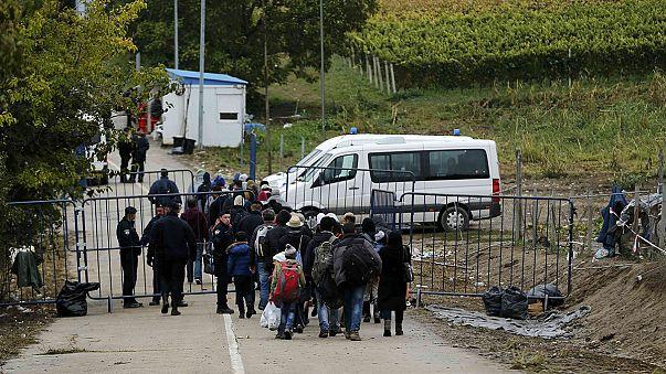 Több mint tízezer menekült érkezett Horvátországba a hétvégén