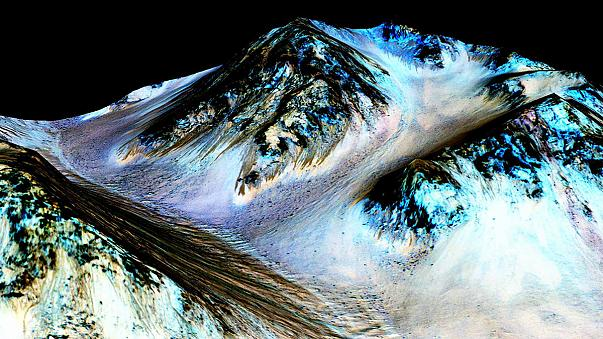 """NASA: """"Trovata acqua in forma liquida su Marte"""""""