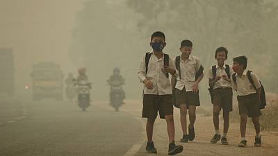 Indonesia blanketed in forest fire haze