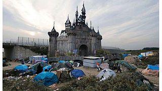 O Banksy μετατρέπει την «Dismaland» σε άτυπο καταυλισμό μεταναστών