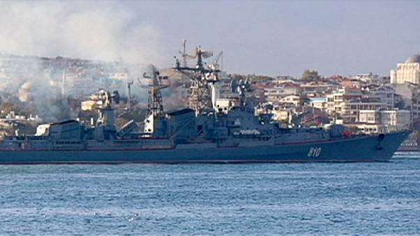 Élénk hadihajó-mozgás látszik Isztambulnál