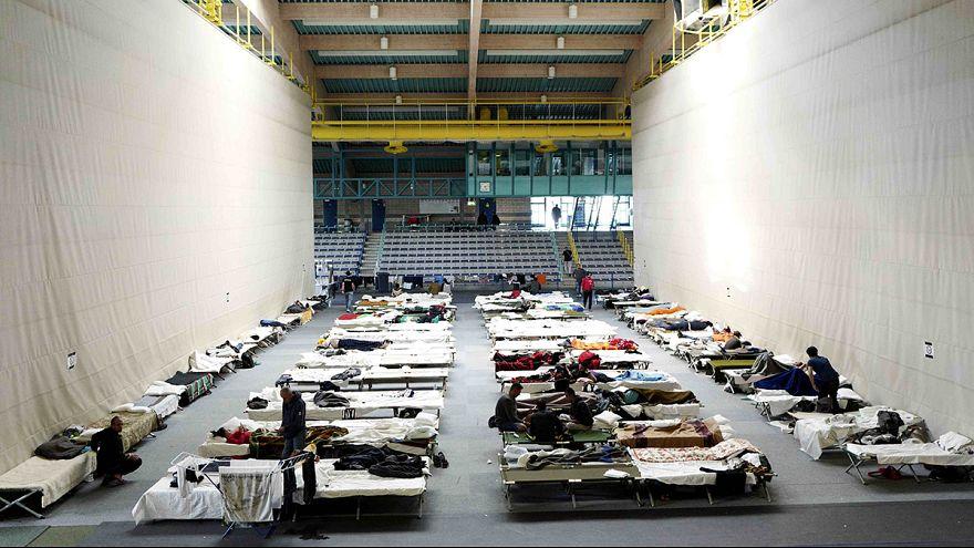 Merkel echa el freno a su política de acogida de refugiados