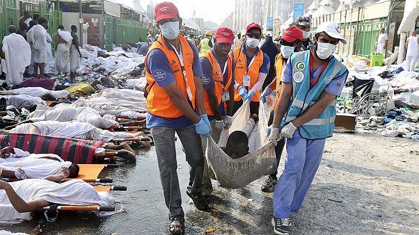 الرياض توزع 1100 صورة للتعرف على ضحايا حادثة التدافع في منى