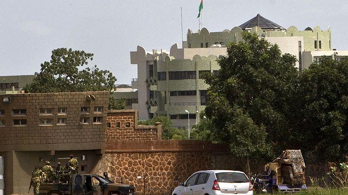 """Кризис в Буркина-Фасо разрешился """"малой кровью"""""""