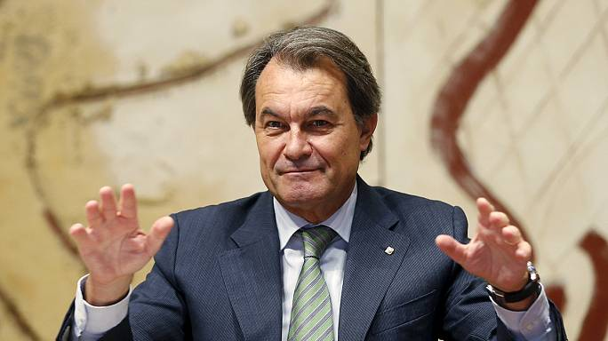 Charging Artur Mas over Catalonia's 'illegal referendum' turns him into a 'martyr'