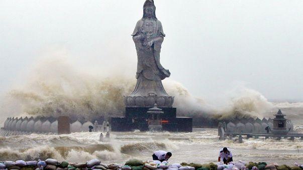 Après Taïwan, le typhon Dujuan a balayé la côte Est de la Chine
