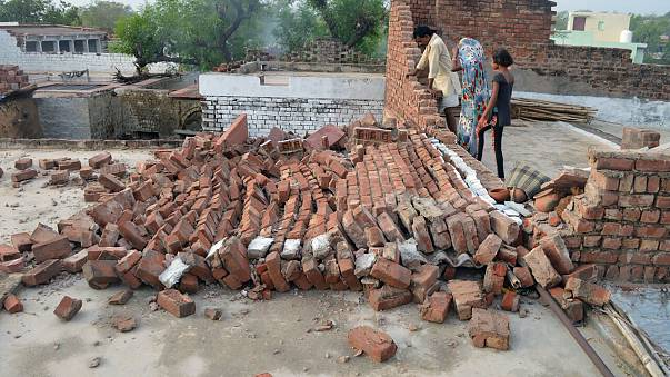 Image: INDIA-ACCIDENT-STORM
