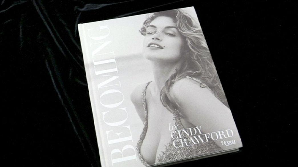 Megjelent Cindy Crawford önéletrajzi albuma