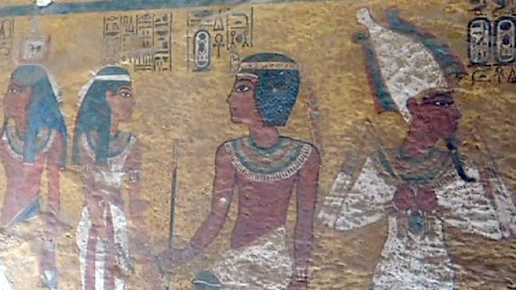 Nefertiti'nin esrarı çözülüyor mu?