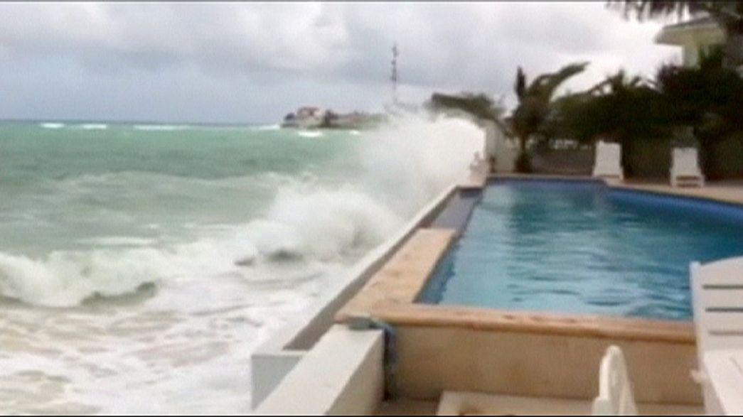 El huracán Joaquín golpea las islas Bahamas y alcanzará la costa este de EEUU