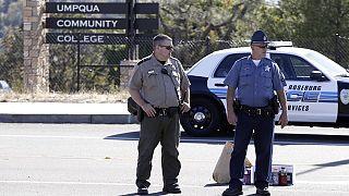EUA: Obama exige mudança na lei de armas após tiroteio em instituto de estudos superiores
