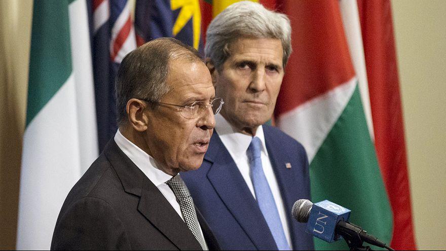 """""""دعه ينتظر""""... جون كيري ينتظر الوزير السوري خارجاً"""