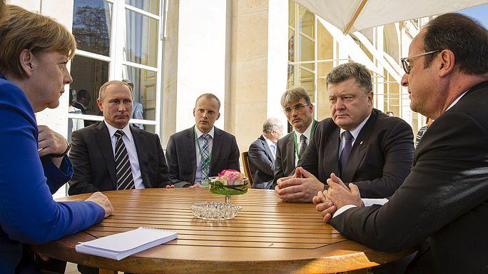 Ukrajnáról egyeztett Putyin, Porosenko, Merkel és Hollande