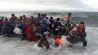 Αθρόες ροές προσφύγων και μεταναστών στο ανατολικό Αιγαίο