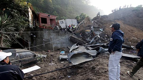 Un deslizamiento de tierra deja al menos 5 muertos y un centenar de desaparecidos en Guatemala