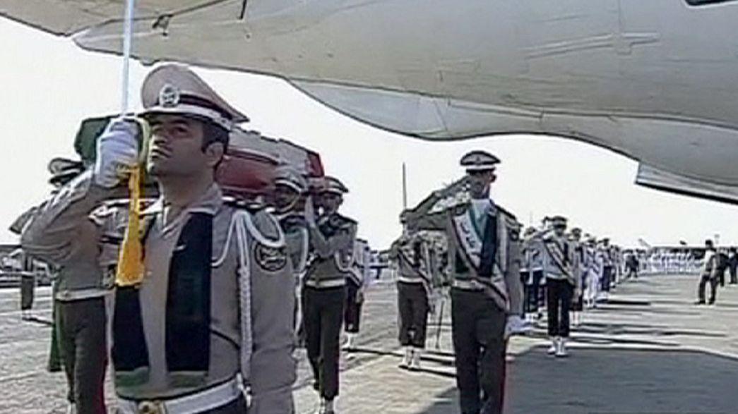 Mina'daki izdihamda ölen İranlı hacıların cenazesi Tahran'da