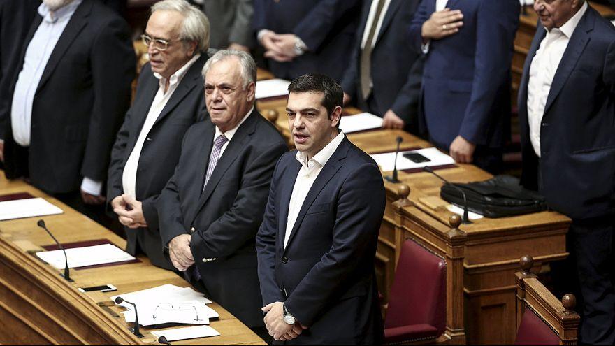 Los diputados del nuevo Parlamento griego juran el cargo